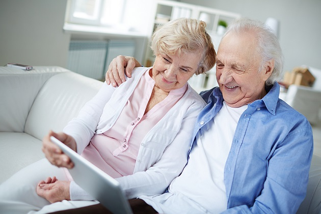 5 reasons seniors should embrace social media